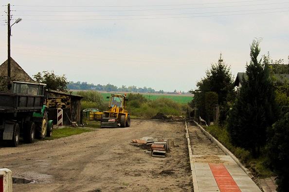 Remont chodnika wDobrojewie